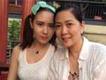 55岁沈丹萍一家同游 18岁混血小女儿漂亮