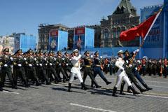解放军亮相俄红场阅兵最后一次彩排