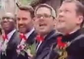 实拍法国小伙花轿娶中国新娘 80多外国亲友迎亲