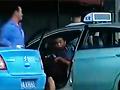 男子插队加气遭女司机指责 怒将其带走暴打