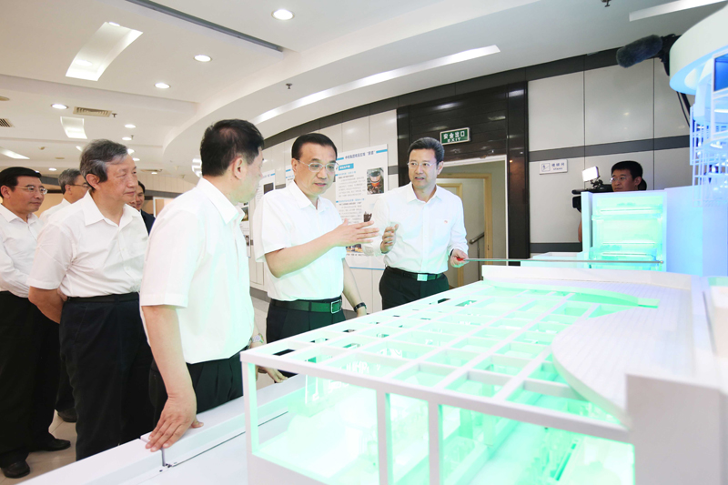 """李克强15日在中国核电工程公司考察,详细了解我国第三代核电机组""""华龙一号""""各项性能"""