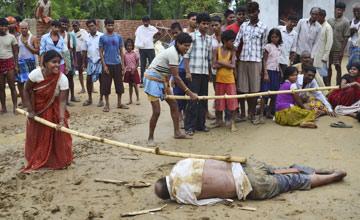 两名男童溺亡 村民为泄愤将校长毒打致死