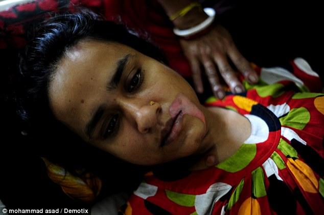 的对待.但最令人震惊的事件发生在上个月,她的哥哥Opu说公公