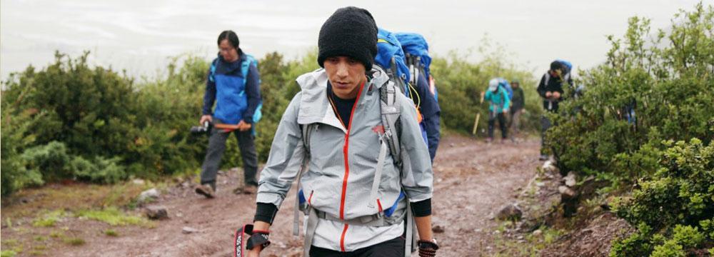 陈坤带队行走香格里拉 8个小时徒步20公里
