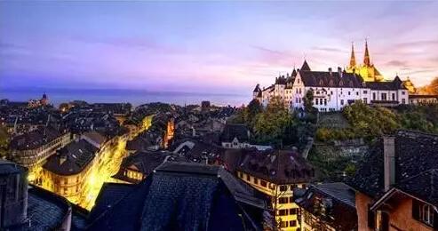 最适合秋季旅行的9个欧洲小城