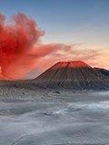 创纪录剧场:泥火山喷26年 沿途村庄皆被毁