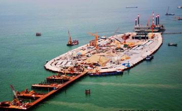 中国超级建筑:跨海大桥为何修到一半 后面离奇消失?