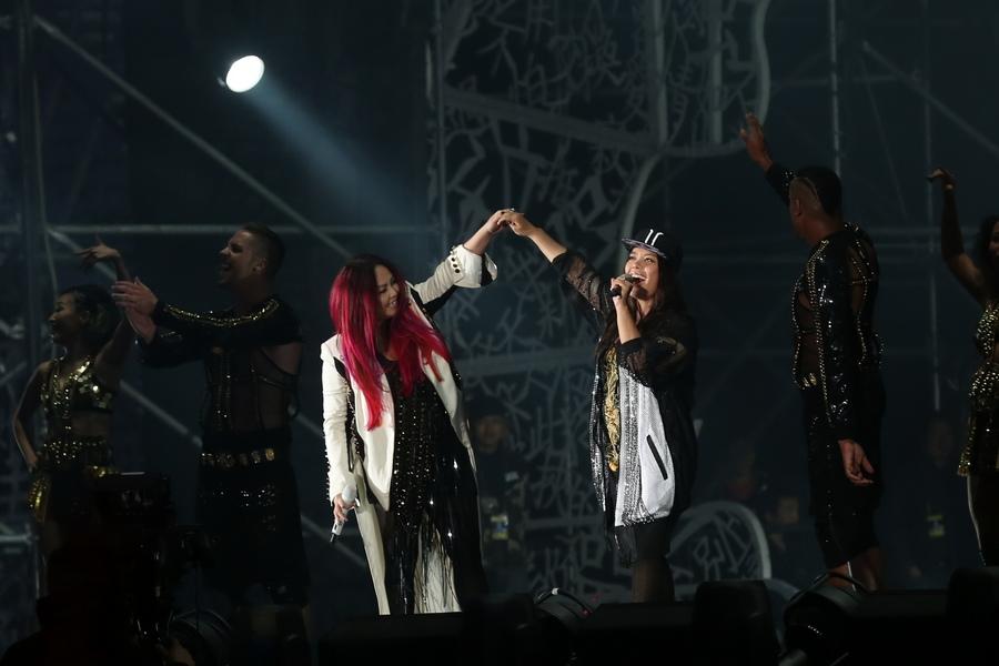 那英0北京演唱会_那英演唱会在北京举行