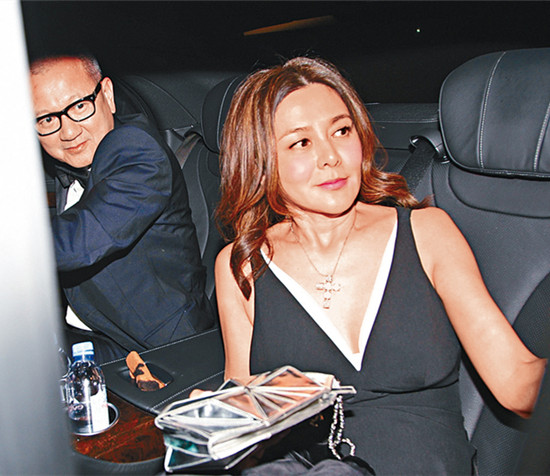 53岁关之琳与59岁富商离婚 隐婚为何难长久