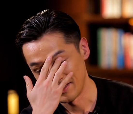 胡歌谈前女友薛佳凝掉泪:她真的是很好