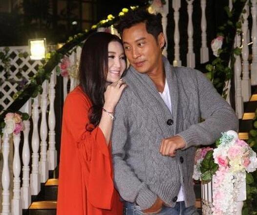 [明星爆料]温碧霞曾拒绝初恋男友求婚:对婚姻没信心