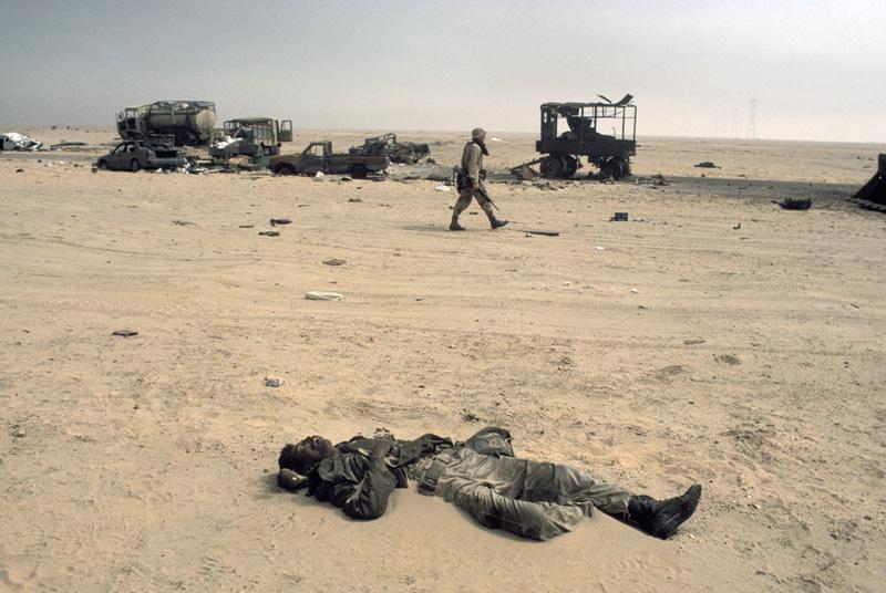 海湾战争黑镜头曝光:这是战斗还是屠杀?(组图