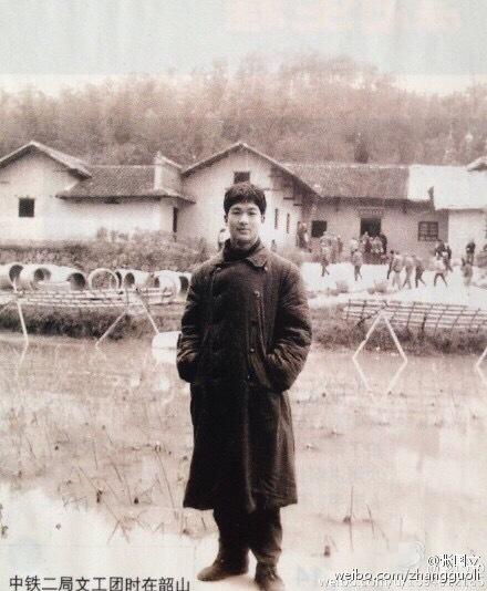 [明星爆料]张国立18岁时也是小鲜肉,姚晨赞他貌胜潘安(图)