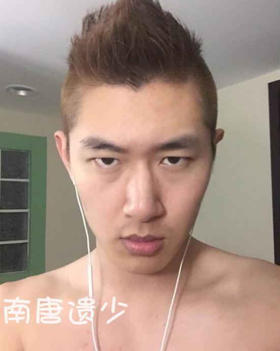[明星爆料]范伟24岁儿子近照曝光 长相不随爹(图)