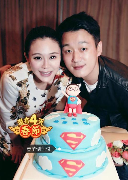 难得秀恩爱!佟大为庆37岁生日 与爱妻关悦亲密相依(图)