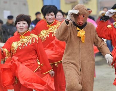 邹平:民俗展演迎新春