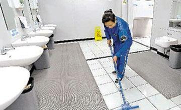 我们去的公厕里最脏的竟是这一间 以后少去吧!