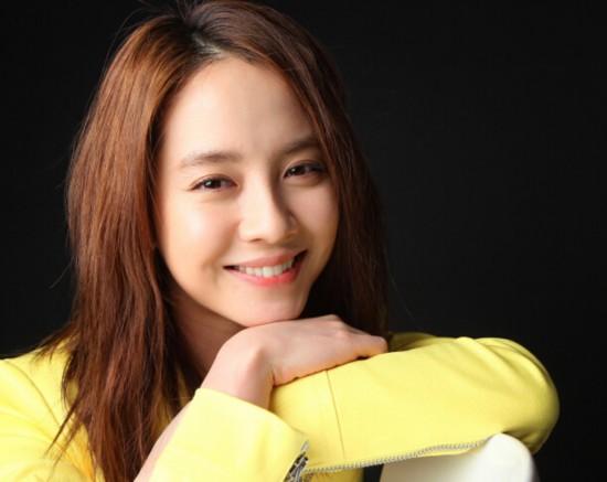 """[明星爆料]她被称为""""韩国汤唯"""",从人人喊打逆袭成全民女神"""