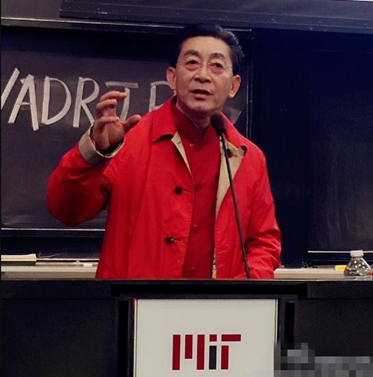 """[明星爆料]六小龄童离开哈佛做客麻省理工 """"猴哥""""演讲座无虚席"""