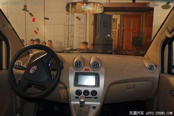 开瑞优雅是国内第一款轿车化微客,而开瑞优雅2代定位商务车,高清图片