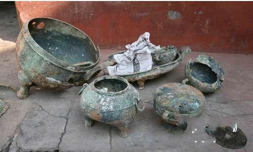2007年济源发掘245件珍贵汉代文物移交给博物馆