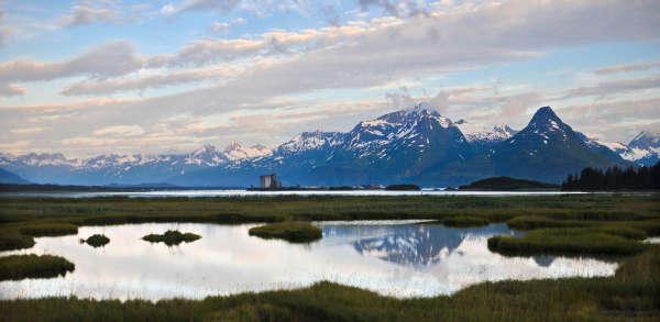 阿拉斯加州迷人风光  美国阿拉; 实拍阿拉斯加胜景冰山云雾缭绕湖泊星