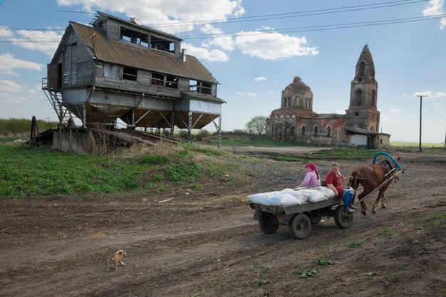 evoye村是俄罗斯因人口迁往城市,少生孩子而人口减少的数千个村