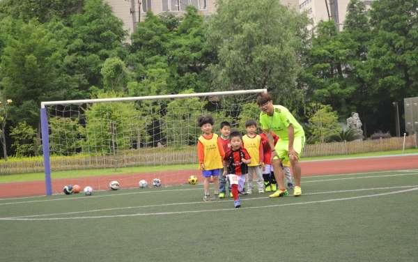 现代少儿足球培训领导者-贝乐康少儿足球