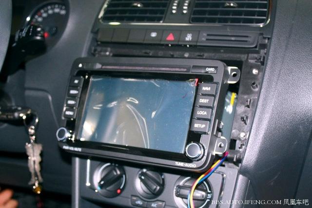 大众polo安装飞歌dvd导航倒车影像与黑剑前后行车