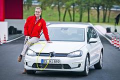 高尔夫插电式混动版约29.9万 油耗1.5升