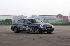 体验BMW精英驾驶培训 安全从基础开始