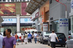 广州车市低迷新车搭救 经销商重视置换