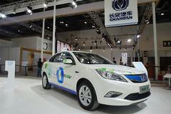 长安推34款新车 新能源市场杀出