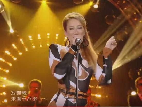 李玟因為生了『這個病』將退出歌手4,失聲疑不能繼續錄製,她在微博表示...連經紀人都急跳腳了...