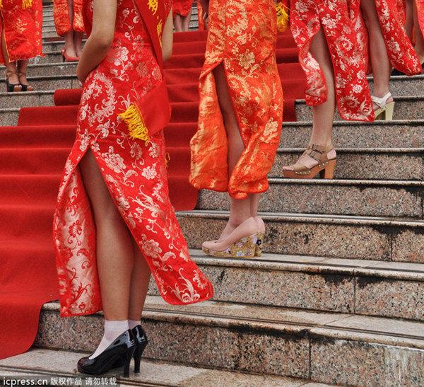 高开叉旗袍穿好不容易时用爱爱情趣用品经历图片