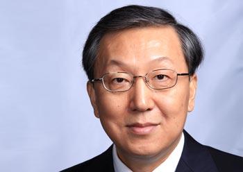 郑浩:领导岗位应该留给有作为的人才