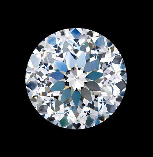 周大生百面切工钻石惊艳亮相上海国际珠宝展