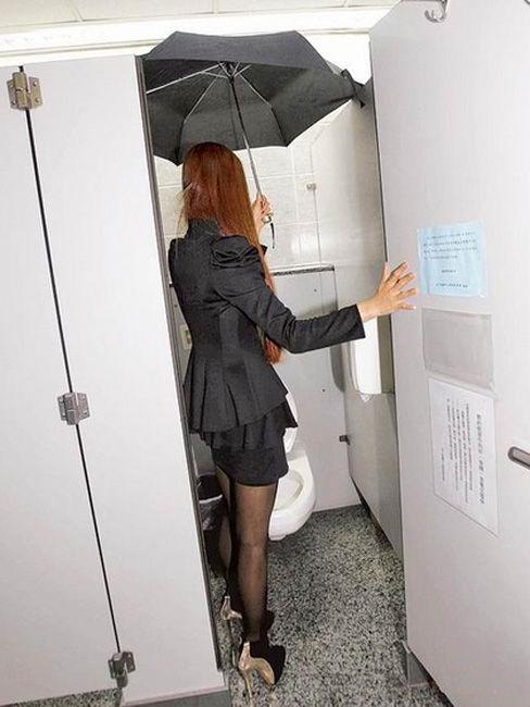 女生上蹲厕_偷怕美女上厕所图_偷拍厕所小便_偷拍美女如厕_偷窥美女上厕所