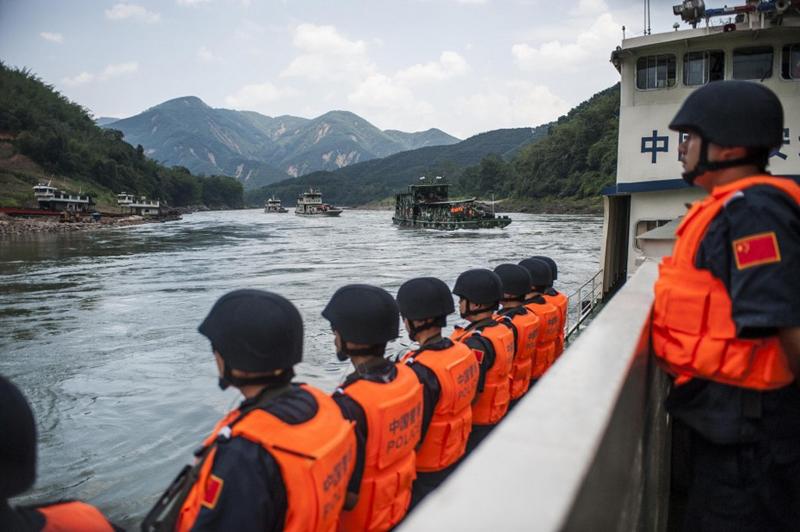 中老缅泰湄公河护航 中国重武器全程戒备保障安全