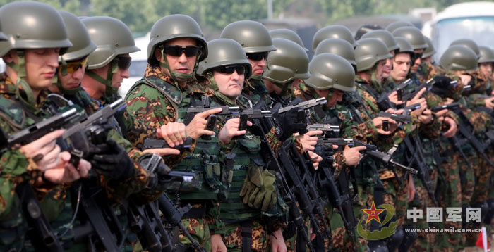 中国武警与俄内卫部队 合作 2013 联合训练演习图片