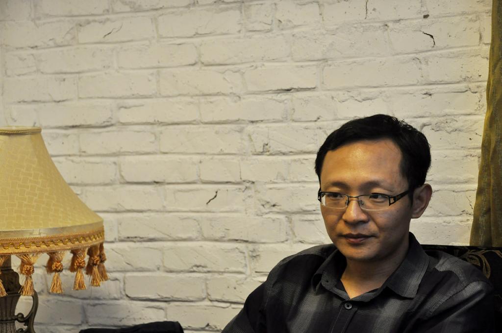 7月12日下午,凤凰网在中国政法大学蓟门桥校区对话网上争议人物吴法天。摄影:李白