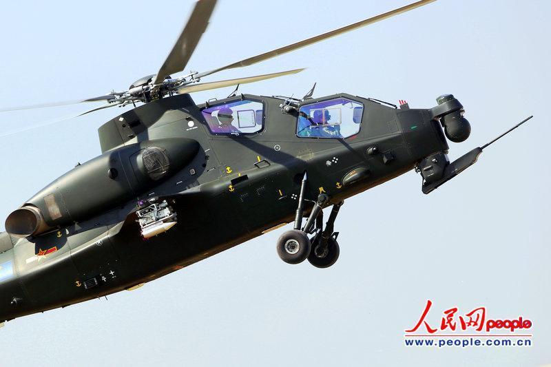 大批武直-10亮相天津航展 公开展示惊险特技动作