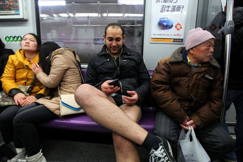 上海地铁一幕 - 月  月 - 阳光月月(看新闻 寓娱乐)