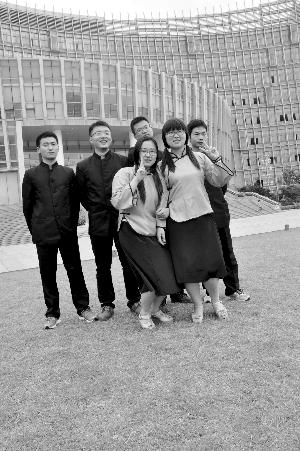 江苏理工学院供图-做学习上的 合伙人 同寝室的四兄弟考研成功