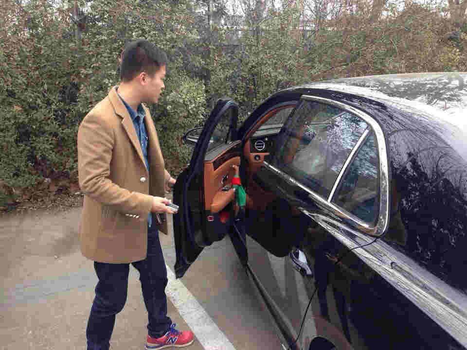 轿车车门摇控锁安装接线图