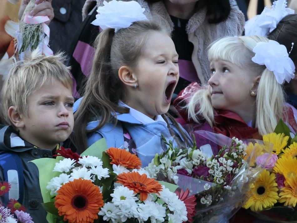 世界各地孩子们的开学表情