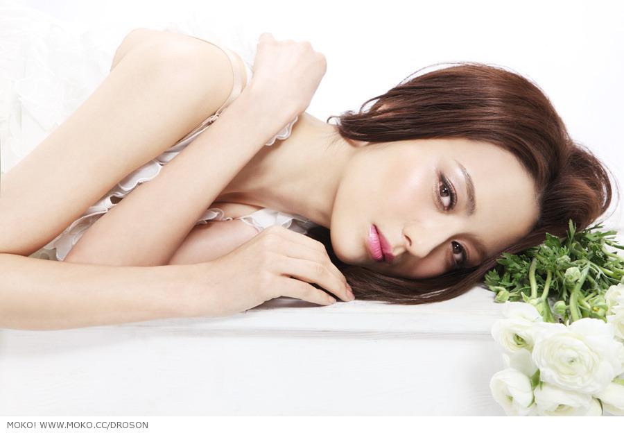 佟丽娅/佟丽娅,中国大陆女演员,新疆人。