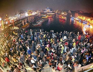北京元宵节烟花爆竹残屑7.2吨