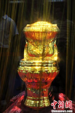 盘点黄金打造奇葩奢侈品:黄金马桶