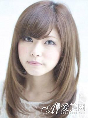 斜刘海直发发型 修颜更显淑女气质